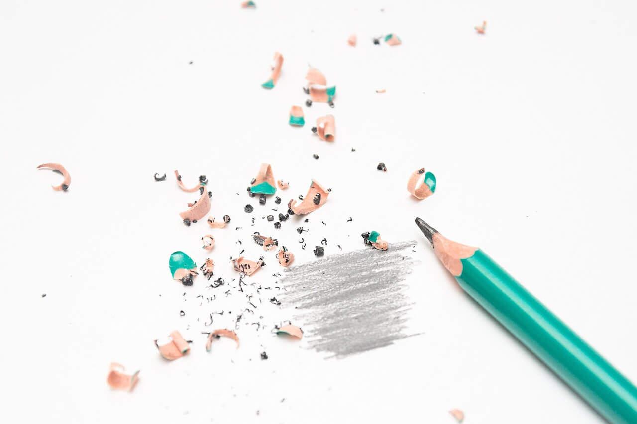 壊れる鉛筆